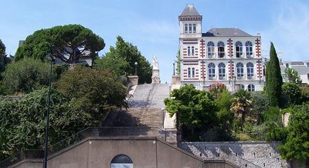 escalier de la butte saint Anne,